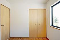 室内、部屋のドア