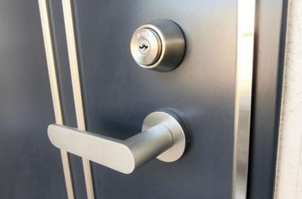 シリンダー錠の鍵が抜けない、回らない時に注意するポイント