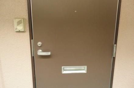 ドアポスト付き玄関の不正開錠方法と防犯性アップについて