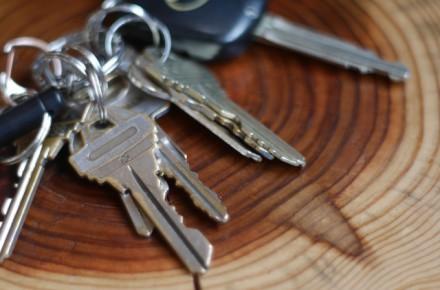 ウェーブキーなど特殊な自動車鍵のカギ開け・複製について